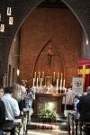 Sakramentsprosesjonen er snart på vei ut av kirken