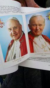 Helgenkåring av to paver